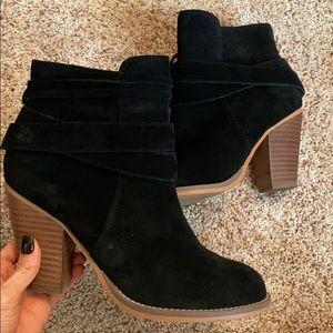 Black suede bootie size 6.5,
